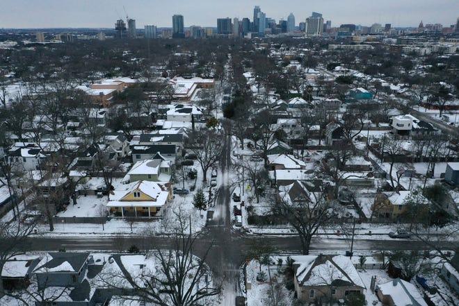 Austin Homes in Snow - Bronte Wittpenn (American-Statesman)